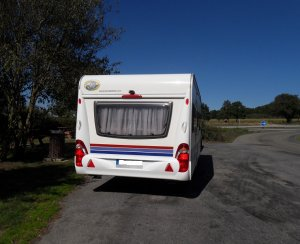 caravane-hobby-de-luxe-495ullm-1